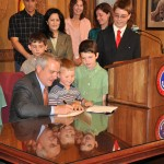 May 2009 Governor Signing 060